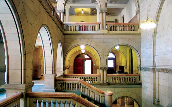 CONSULTING B courthouse pic2